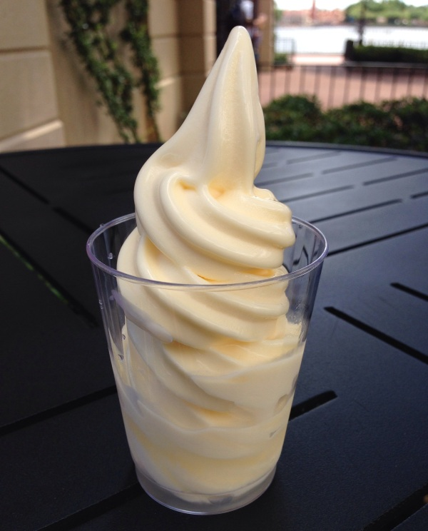 Pineapple Dole Whip with Parrot Bay Coconut Rum – Pineapple Promenade