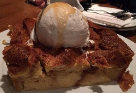OK.  I admit it.  'Ohana's bread pudding IS pretty delicious!