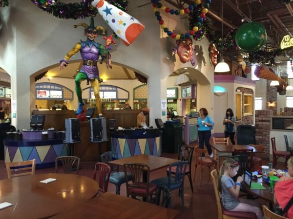 Mardi Grogs doesn't serve food, so you have to take a short walk to the resort's main building to visit the Sassagoula Floatworks and Food Factory for lunch or dinner.